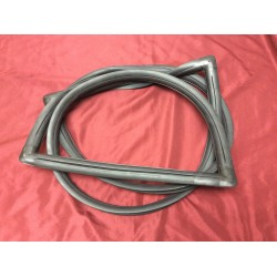 windshield seal with slot for trim, 1966-1977 bronco